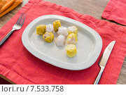 Купить «plate of spring rolls with rice on table», фото № 7533758, снято 14 февраля 2015 г. (c) Syda Productions / Фотобанк Лори