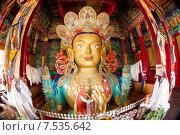 Купить «Будда Майтрейя. Верхняя  часть (бюст) гигантской статуи, занимающей два этажа в монастыре Тикси (Thikse, Tiksey) в окрестностях г.Лех (Leh) в Ладакхе, северная Индия.», фото № 7535642, снято 12 июля 2012 г. (c) Олег Иванов / Фотобанк Лори