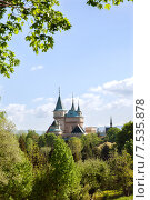 Бойницкий замок весной, Словакия (2015 год). Стоковое фото, фотограф Юлия Кузнецова / Фотобанк Лори