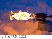 Купить «Паяльная лампа с ярким пламенем», фото № 7540222, снято 9 марта 2013 г. (c) Евгений Ткачёв / Фотобанк Лори