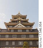 Купить «Главная башня (донжон) замка Окаяма (построен в 1597, реконструирован в 1966 г.). Национальный исторический объект Японии», фото № 7546954, снято 20 мая 2015 г. (c) Иван Марчук / Фотобанк Лори