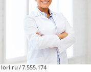 Купить «african female doctor in hospital», фото № 7555174, снято 1 августа 2013 г. (c) Syda Productions / Фотобанк Лори