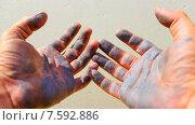 Руки в краске. Стоковое фото, фотограф Александр Чернецов / Фотобанк Лори