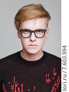 Купить «Рыжеволосый мужчина в очках», фото № 7603994, снято 24 апреля 2015 г. (c) Дмитрий Булин / Фотобанк Лори