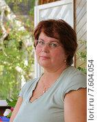 Купить «Портрет симпатичной женщины средних лет», эксклюзивное фото № 7604054, снято 19 июня 2010 г. (c) Юрий Морозов / Фотобанк Лори