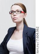 Купить «Портрет красивой деловой женщины в очках», фото № 7604062, снято 2 мая 2015 г. (c) Дмитрий Булин / Фотобанк Лори