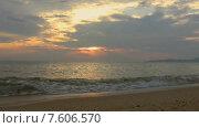 Купить «Вечернее небо над морем, Таиланд», видеоролик № 7606570, снято 20 февраля 2015 г. (c) Валерия Потапова / Фотобанк Лори