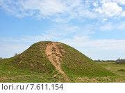Ладожские могильные холмы VIII-X вв (2014 год). Стоковое фото, фотограф Алексей Кокоулин / Фотобанк Лори