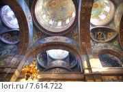 Купить «Абхазия. Новоафонский Симоно-Кананитский монастырь. Потолок храма», фото № 7614722, снято 26 апреля 2015 г. (c) Parmenov Pavel / Фотобанк Лори