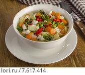 Купить «chicken soup with vegetables», фото № 7617414, снято 21 мая 2015 г. (c) Tatjana Baibakova / Фотобанк Лори