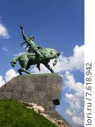 Купить «Памятник Салавату Юлаеву в городе Уфе», фото № 7618942, снято 27 июня 2015 г. (c) Коротнев / Фотобанк Лори
