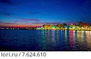 Купить «Ночь в Фрежюсе, Франция, панорамный таймлапс», видеоролик № 7624610, снято 11 июля 2014 г. (c) Алексас Кведорас / Фотобанк Лори