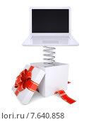Купить «Подарочная коробка с красным бантиком и ноутбуком», иллюстрация № 7640858 (c) Кирилл Черезов / Фотобанк Лори