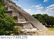 Археологические руины, построенный майя. Ушмаль, Юкатан, Мексика (2014 год). Стоковое фото, фотограф Борис Ветшев / Фотобанк Лори