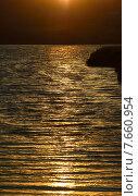 Купить «Рассвет на озере», фото № 7660954, снято 9 июля 2015 г. (c) александр жарников / Фотобанк Лори