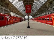 """Купить «Два поезда """"Аэроэкспресс"""" на Киевском вокзале. Москва», фото № 7677194, снято 14 мая 2015 г. (c) Владимир Журавлев / Фотобанк Лори"""