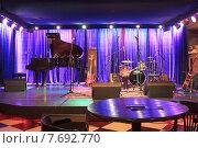 Концертная студия (2015 год). Редакционное фото, фотограф Оксана Зенит-Журавлева / Фотобанк Лори