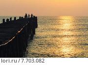 Купить «Fishing pier at sunrise», фото № 7703082, снято 18 июня 2019 г. (c) PantherMedia / Фотобанк Лори
