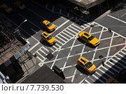 Купить «Yellow cabs going downtown at Lexington Avenue, upper east side manhattan New York NY», фото № 7739530, снято 12 мая 2013 г. (c) Anton Oparin / Фотобанк Лори