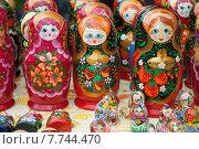 Купить «Матрёшки, русский сувенир», эксклюзивное фото № 7744470, снято 11 июля 2015 г. (c) Svet / Фотобанк Лори