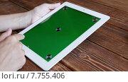 Купить «Использование планшета», видеоролик № 7755406, снято 19 июля 2015 г. (c) Константин Колосов / Фотобанк Лори