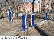 Уличные тренажеры. Стоковое фото, фотограф Мария Алексашина / Фотобанк Лори