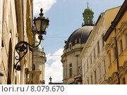 Старая улица во Львове, Украина (2015 год). Стоковое фото, фотограф Антон Глущенко / Фотобанк Лори