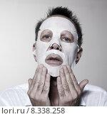 Купить «man facial mask», фото № 8338258, снято 20 января 2020 г. (c) PantherMedia / Фотобанк Лори