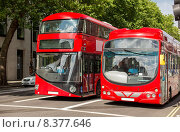 Купить «city street with red double decker buses in london», фото № 8377646, снято 19 июня 2015 г. (c) Syda Productions / Фотобанк Лори