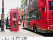 Купить «double decker bus and telephone booth in london», фото № 8377650, снято 19 июня 2015 г. (c) Syda Productions / Фотобанк Лори