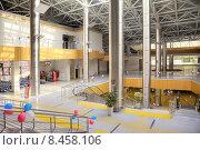 Купить «Современный железнодорожный вокзал Роза Хутор в Красной Поляне», фото № 8458106, снято 29 апреля 2015 г. (c) Parmenov Pavel / Фотобанк Лори