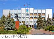 Купить «Здание администрации города Батайска», фото № 8464778, снято 5 октября 2014 г. (c) Александр Тихонов / Фотобанк Лори
