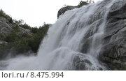 Купить «Алибекский водопад на Домбае в горах Северного Кавказа», эксклюзивный видеоролик № 8475994, снято 30 июля 2015 г. (c) Алексей Бок / Фотобанк Лори