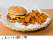 Купить «citizen hamburger burger fastfood burgher», фото № 8688578, снято 19 марта 2019 г. (c) PantherMedia / Фотобанк Лори