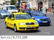 Купить «Skoda Superb», фото № 8713298, снято 23 июля 2014 г. (c) Art Konovalov / Фотобанк Лори