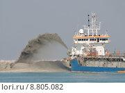 Купить «sand dubai sands dredger baggern», фото № 8805082, снято 20 марта 2019 г. (c) PantherMedia / Фотобанк Лори