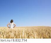 Купить «Woman in Wheat Field», фото № 8832714, снято 19 октября 2018 г. (c) PantherMedia / Фотобанк Лори