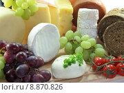 Купить «bread cheese tomatoes grapes emmentaler», фото № 8870826, снято 21 апреля 2019 г. (c) PantherMedia / Фотобанк Лори