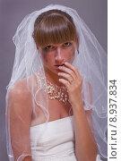 Купить «bride in tears», фото № 8937834, снято 18 ноября 2017 г. (c) PantherMedia / Фотобанк Лори