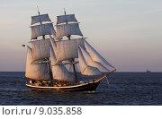 Купить «boat ship sailboat brig yachtsman», фото № 9035858, снято 20 октября 2019 г. (c) PantherMedia / Фотобанк Лори