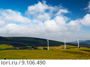 Купить «wind-mill electric generating plants in mountain», фото № 9106490, снято 6 июля 2020 г. (c) PantherMedia / Фотобанк Лори