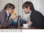 Купить «flirting in office», фото № 9121318, снято 16 апреля 2018 г. (c) PantherMedia / Фотобанк Лори