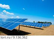 Купить «Solar Energy Farm», фото № 9136362, снято 25 сентября 2018 г. (c) PantherMedia / Фотобанк Лори