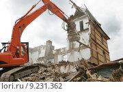 Купить «building house ruin mull refuse», фото № 9231362, снято 21 марта 2019 г. (c) PantherMedia / Фотобанк Лори
