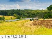 Купить «Подмосковье. Пахота», фото № 9243842, снято 6 августа 2015 г. (c) Зобков Георгий / Фотобанк Лори