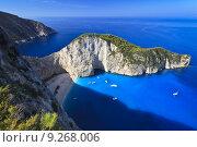 Купить «Navagio beach in Zakynthos, Greece  », фото № 9268006, снято 18 декабря 2017 г. (c) PantherMedia / Фотобанк Лори