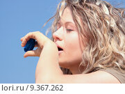 Купить «Thirsty blond woman on desert», фото № 9367262, снято 20 марта 2019 г. (c) PantherMedia / Фотобанк Лори