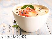 Купить «fresh melon soup with parma ham and lavender flower», фото № 9404450, снято 24 апреля 2018 г. (c) PantherMedia / Фотобанк Лори