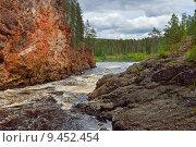 Купить «Красные скалы реки Oulankajoki в Национальном парке Оуланка, Финляндия, Лапландия», фото № 9452454, снято 8 июля 2015 г. (c) Валерия Попова / Фотобанк Лори
