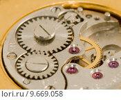 Купить «Macro - inside a watch movement», фото № 9669058, снято 27 мая 2018 г. (c) PantherMedia / Фотобанк Лори